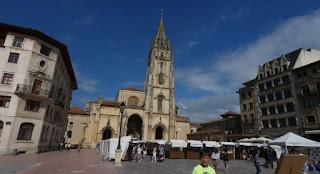 Oviedo, Plaza de la Catedral o de Alfonso II el Castro.