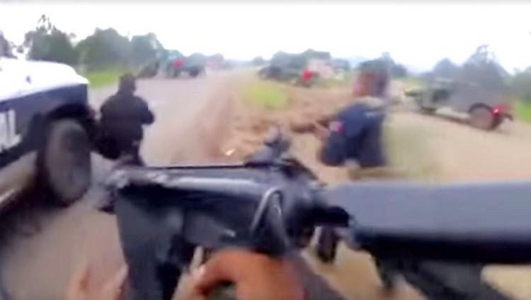"""Video: Difunden enfrentamiento entre policías y sicarios de """"La Línea"""" en Madera, Chihuahua"""