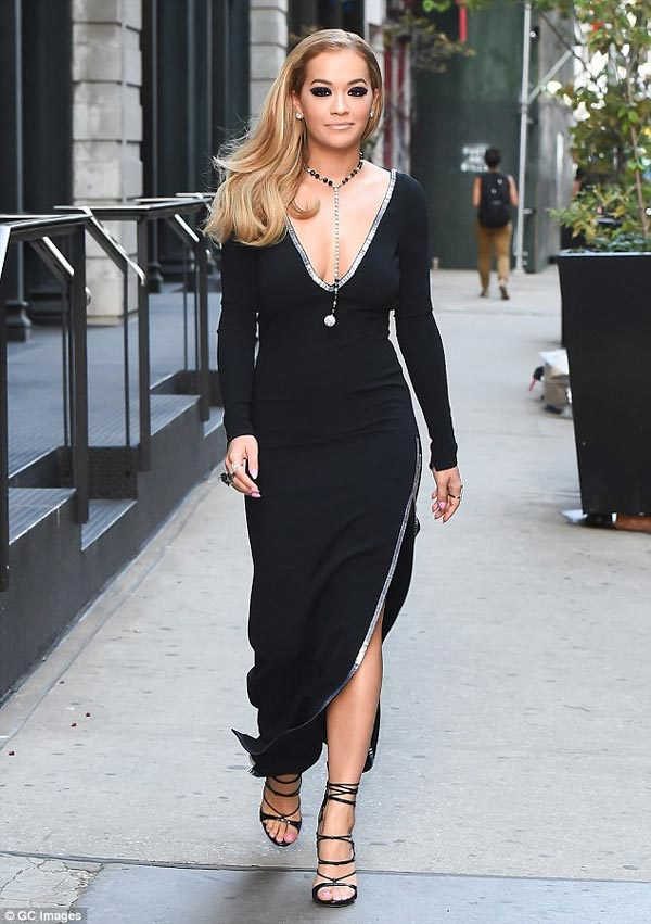 Gorgeous Rita Ora steps out in flawless black dress