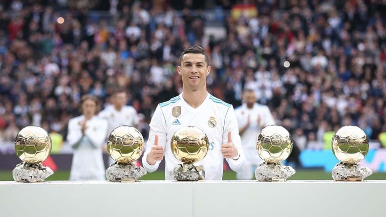 Криштиану Роналду получил пять золотых мячей