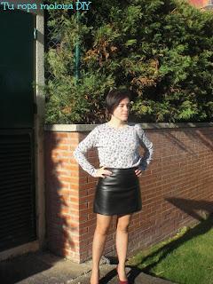 look falda cuero