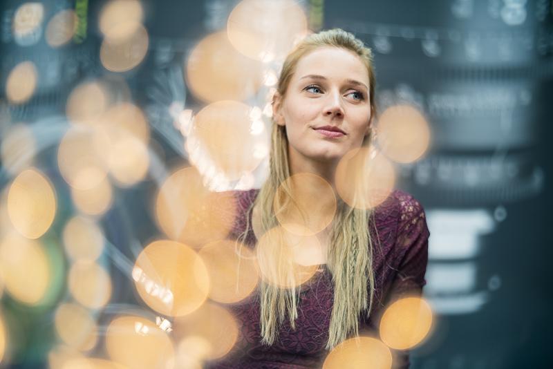 Портрет девушки, снятый на объектив Nisi 75mm f/0.95