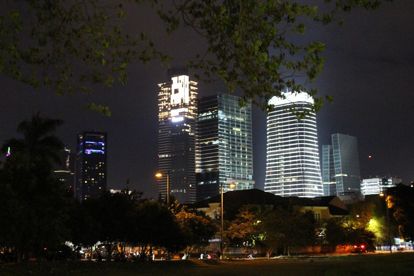 Spot Foto Di Jakarta Pada Malam Hari Yang Keren Abis Yuk Kita Memainkan Cahaya Dengan Kamera Korankusut