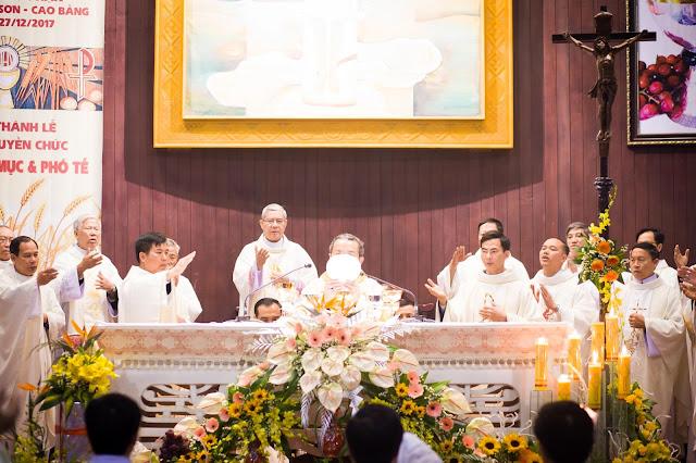Lễ truyền chức Phó tế và Linh mục tại Giáo phận Lạng Sơn Cao Bằng 27.12.2017 - Ảnh minh hoạ 44