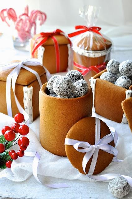 Съедобный подарок к Новому Году: конфеты в пряничной коробке