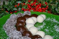 http://godtsuntogbillig.blogspot.fr/2013/12/sjokoladekuler-kokos.html
