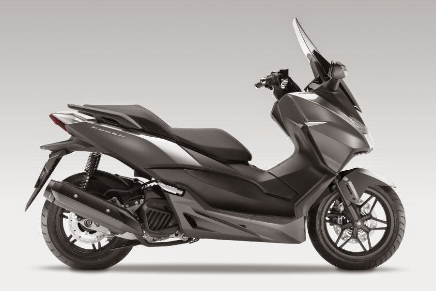 all new honda forza 125 scooter revealed autoesque. Black Bedroom Furniture Sets. Home Design Ideas