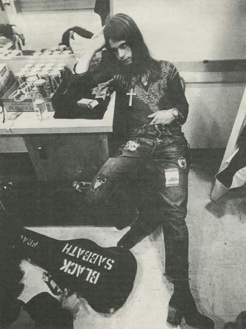 Fotografías en el Backstage de míticas bandas de Rock y Metal durante los 80