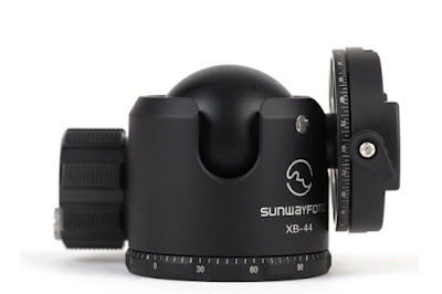 Sunwayfoto DDH-02 on XB-44 ball head tilted 90 deg