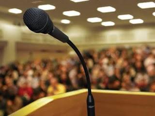 Pidato ialah suatu ucapan dengan memperhatikan susunan kata yang baik untuk disampaikan kepada orang banyak.