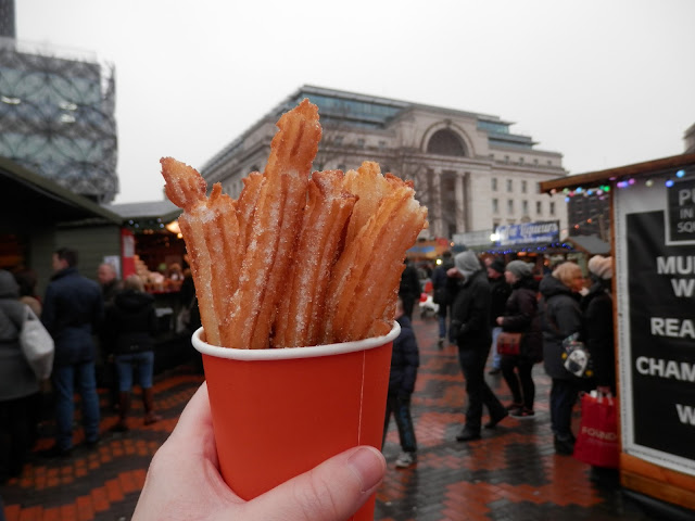 Vegan churros.  What do vegans eat at Christmas?  Seasonal vegan treats and snack ideas.  secondhandsusie.blogspot.co.uk #veganblogger #ukvegan #vegan