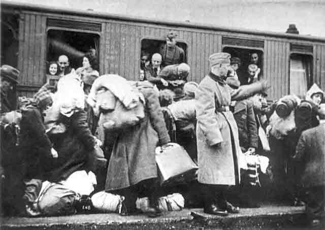 Deportations from Muenster, Germany on 13 December 1941 worldwartwo.filminspector.com