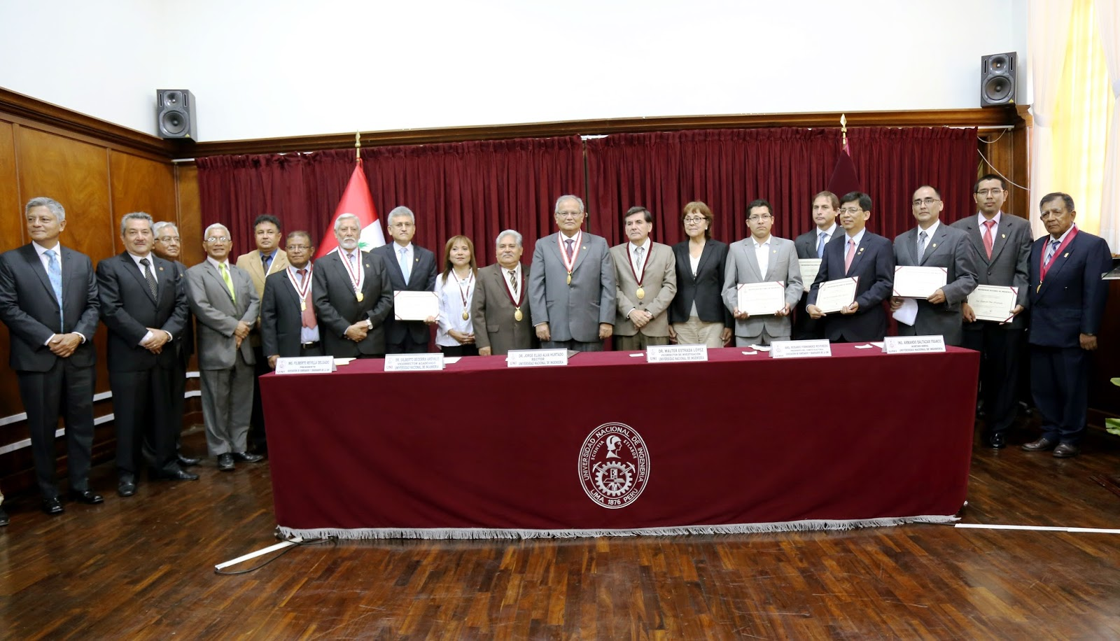 Oficina de relaciones p blicas uni jurament nueva for Oficina ing malaga