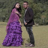 Lirik dan Terjemahan Lagu Andra Respati & Ovhi Firsty - Manunggu Janji