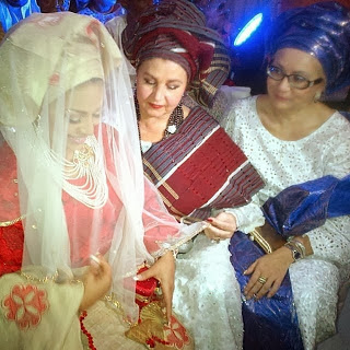 lola omotayo white mother