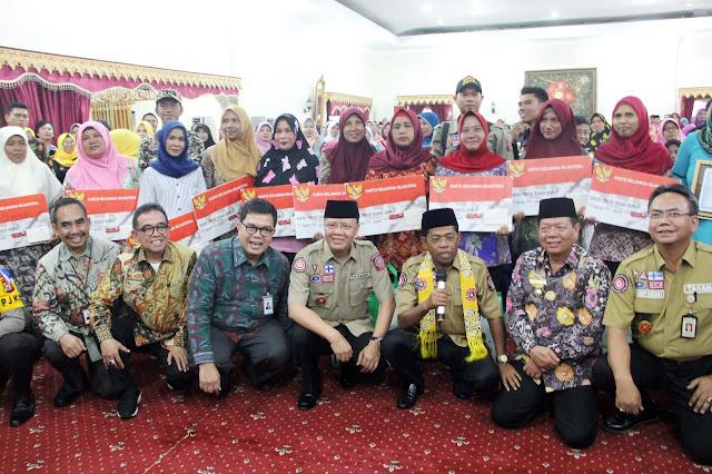 Mensos RI Serahkan PKH dan BPNT di Bengkulu