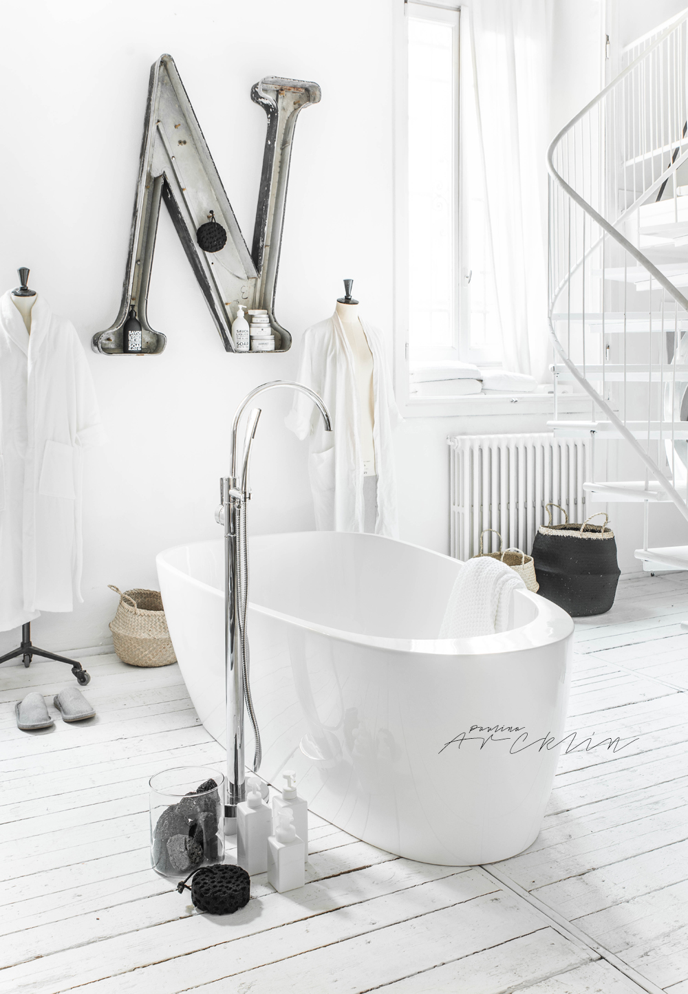 A SNEAK PEEK - 1 SPACE 7 BATHTUBS STYLE | PAULINA ARCKLIN ...