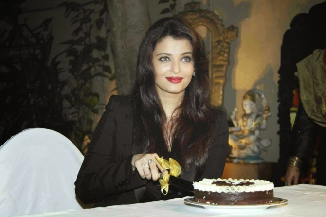 Aishwarya Rai Bachchan Birthday Celebration