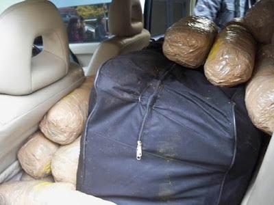 Πατέρας και γιος μετέφεραν 80 κιλά κάνναβης