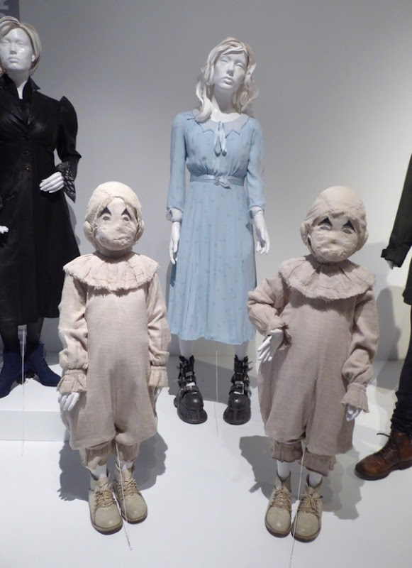 Miss Peregrines Home Peculiar Children Emma Twins costumes