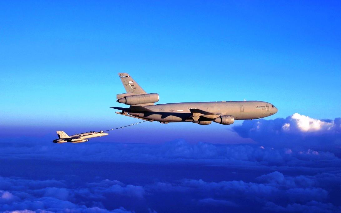 KC-10 Extender Photos