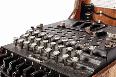 Trobada una de les mítiques màquines Enigma