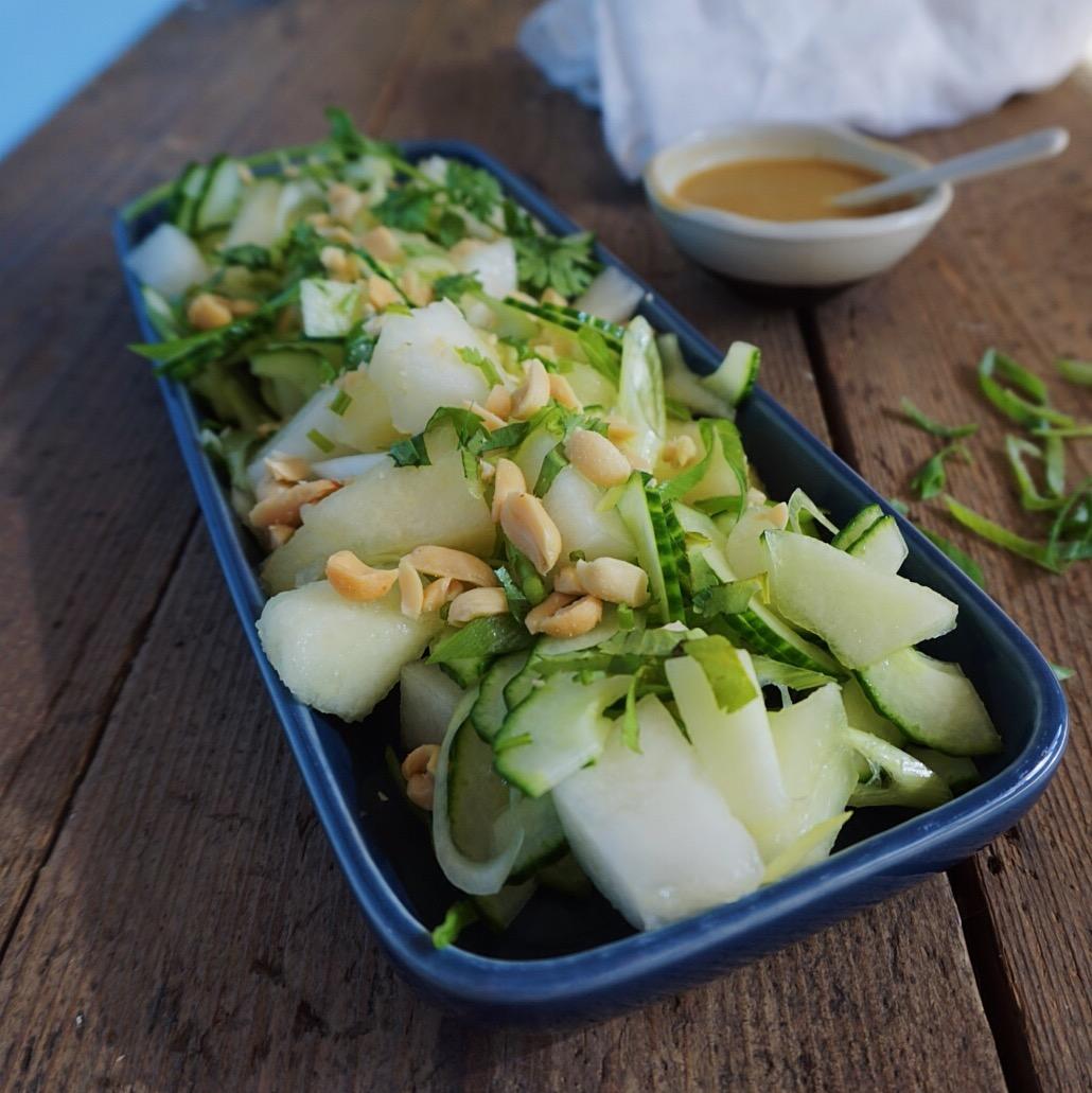Sommersalat med melon og agurk og Butterbean BBQ bøffer - Vanlose Blues