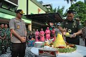 Polres Jakbar Berikan Kejutan Untuk Kodim 0503/JB diHari Ulang Tahun TNI Ke 73