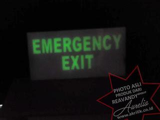 signage berbahan fosfor