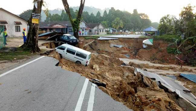 Berlakunya Tanah Runtuh di Hulu Selangor