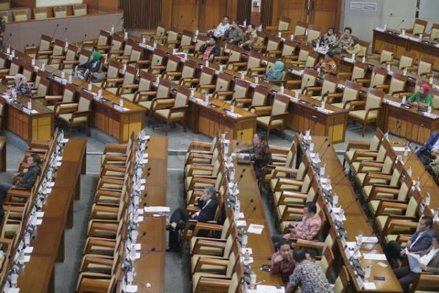 MK: DPR Jarang Hadiri Sidang Uji Materi