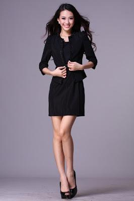 vestidos formales con botas largas
