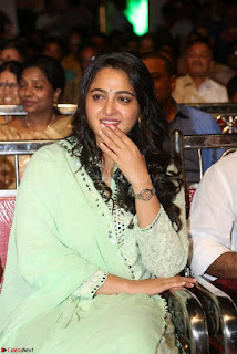 Anushka Stills At Show Time Movie Audio Launch 02.jpg