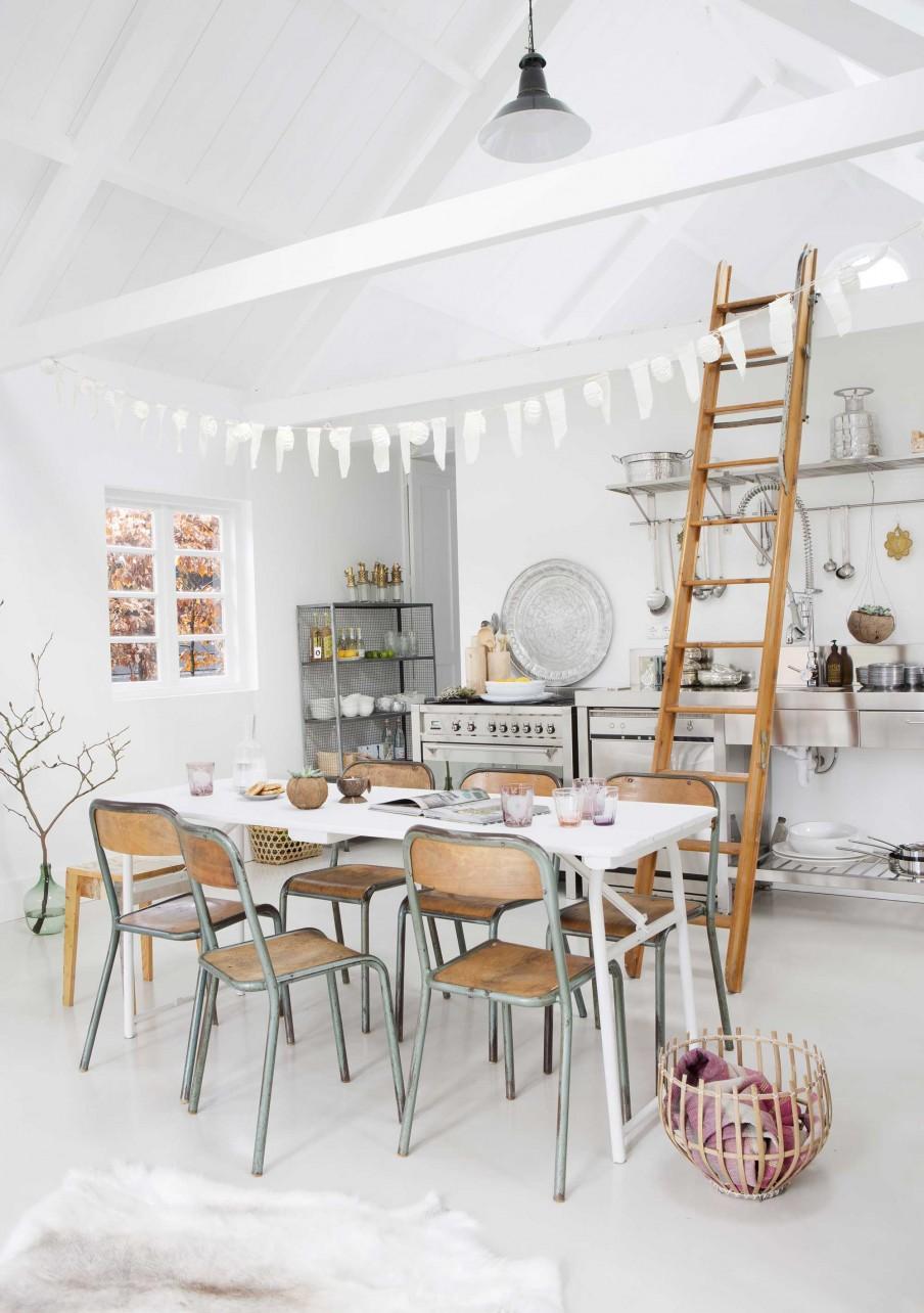 atelier rue verte le blog pays bas une maison blanche et lumineuse. Black Bedroom Furniture Sets. Home Design Ideas