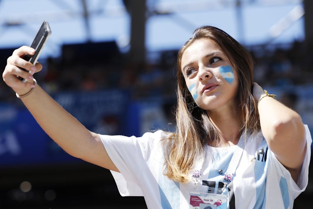 25 Beautiful Football Fans in World Cup 2018