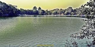 Hauz Khash Lake at Green Park