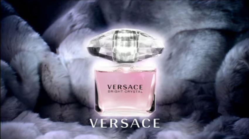 Modella Versace pubblicità bright crystal con modella bionda con Foto - Testimonial Spot Pubblicitario Versace 2016