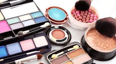 Compruebas la fecha de caducidad de tus cosméticos?