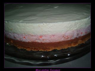NEAPOLITAN CAKE DE MOUSSE DE QUESO