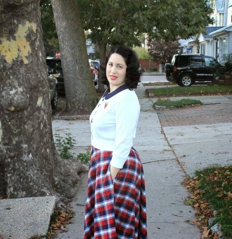 A Vintage Nerd, Vintage Lifestyle Blog, 1940s School Girl, Vintage School Girls, Vintage School Girl Fashion, eShakti Plaid Skirt, 1940s Retro Fashion