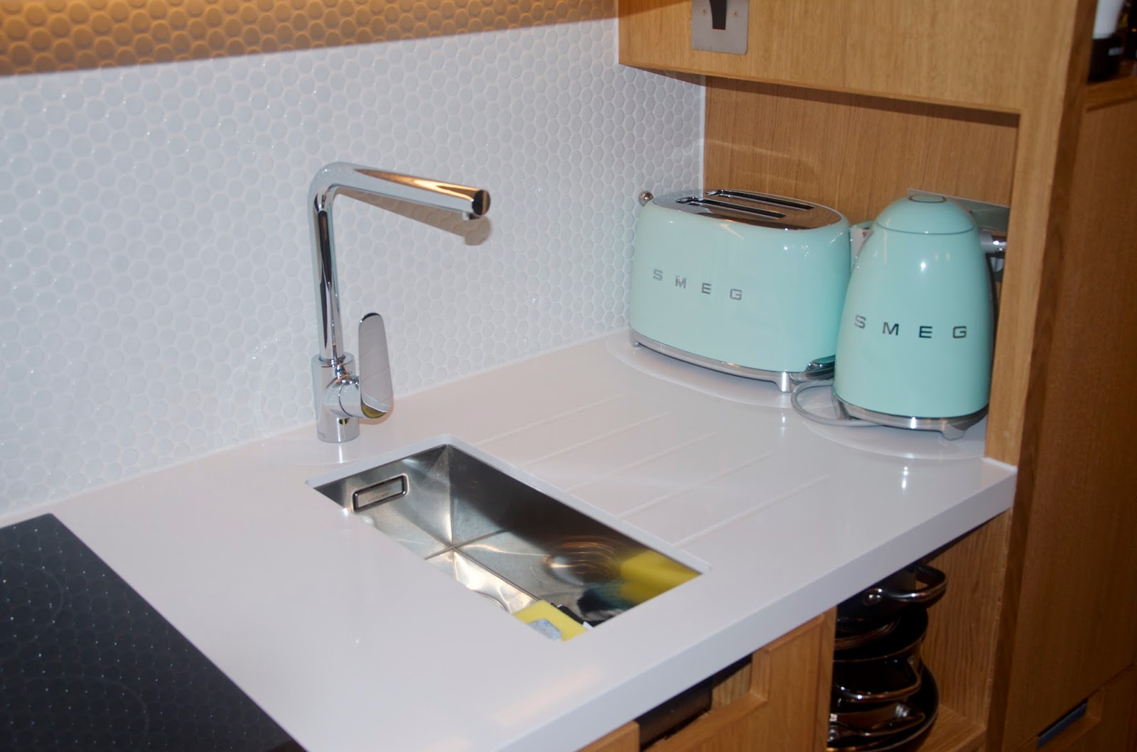 Wilde Aparthotels by Staycity kitchenette with Smeg green appliances
