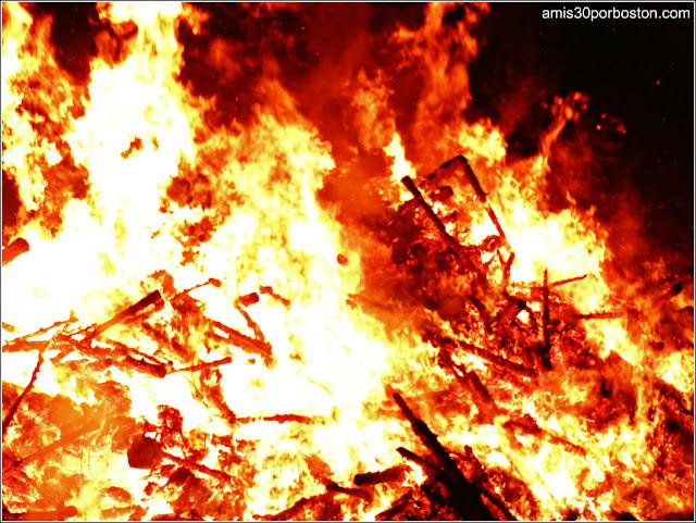Hogueras Americanas:Old Newbury Bonfire