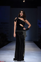 Vaani Kappor in a Black Rina Dhaka Outfit at Amazon India Fashion Week with Maybelline New York 1.jpg