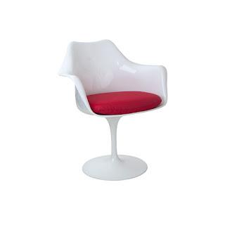 Cadeira Saarinen Branca com almofada. Blog Achados de Decoração