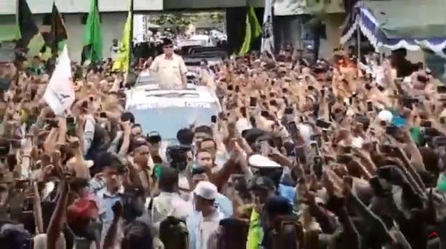"""Disambut Ribuan Pendukung di Jogja, """"Prabowo Presiden"""" Menggema"""