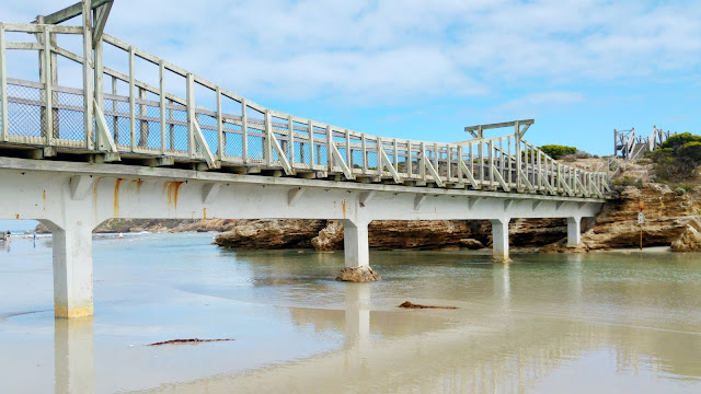 Stingray Bay Bridge Warrnambool, Stingray Bay Warrnambool