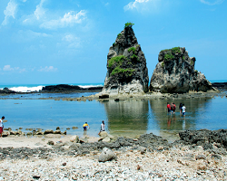 8 Daftar Objek Wisata Provinsi Banten Dengan Keindahan Taman Nasional, Pantai dan Gunung