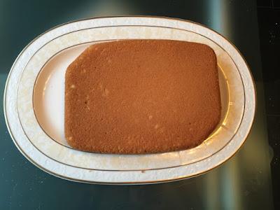 Gâteau vanille base cupcake dans son plat