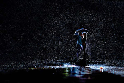 lovely-couple-in-rainy-night-hd-images