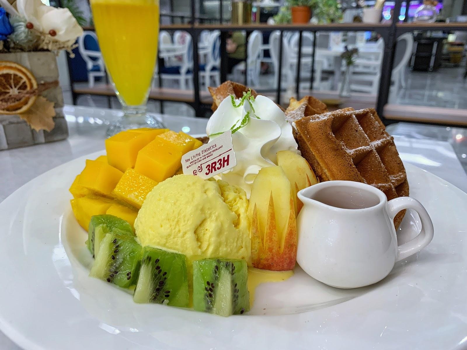 三皇三家餐點芒果冰淇淋鬆餅